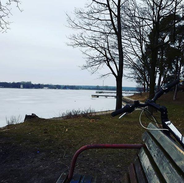 Przygody przyrody na rowerze - Zalew Zebmorzycki zimą