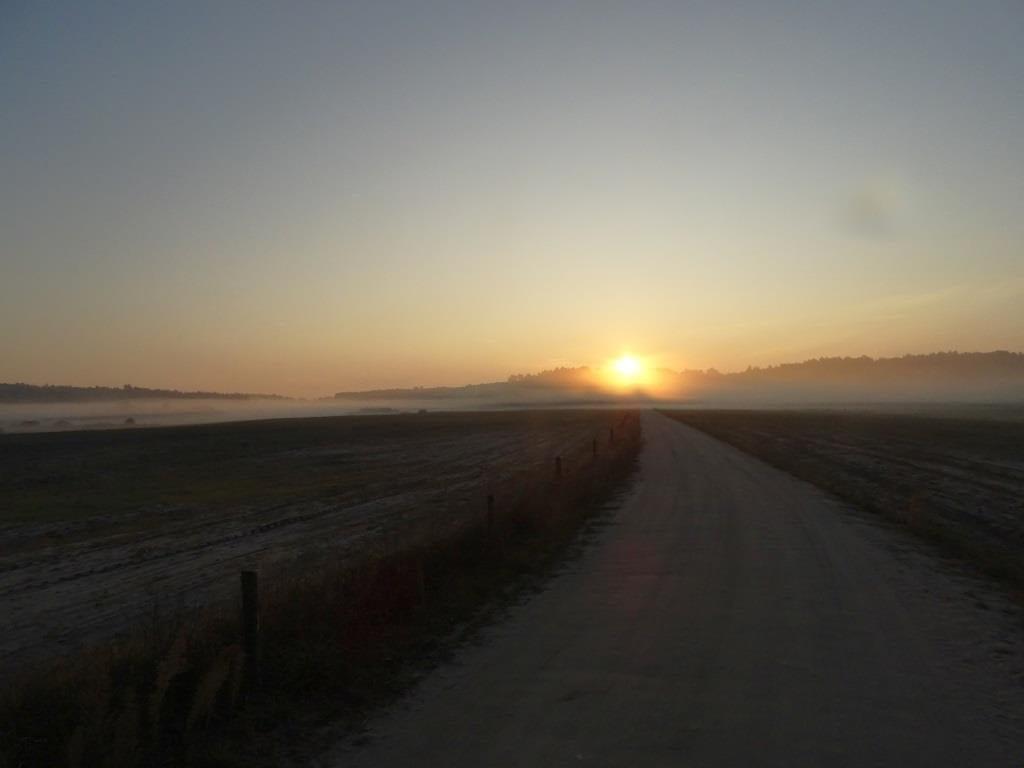 Droga do ścieżki dydaktycznej Czahary - świt